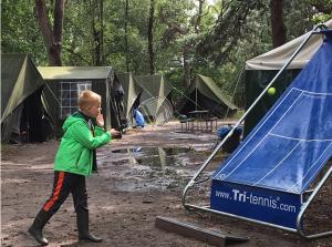 Tussen de tenten oefenen